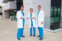 Los optometristas Javier Zurera, Alicia Navarro y Timoteo González