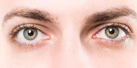 ojos verdes de hombre