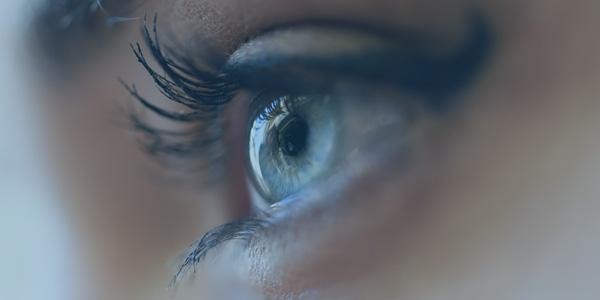 Tics Oculares: Por qué aparecen
